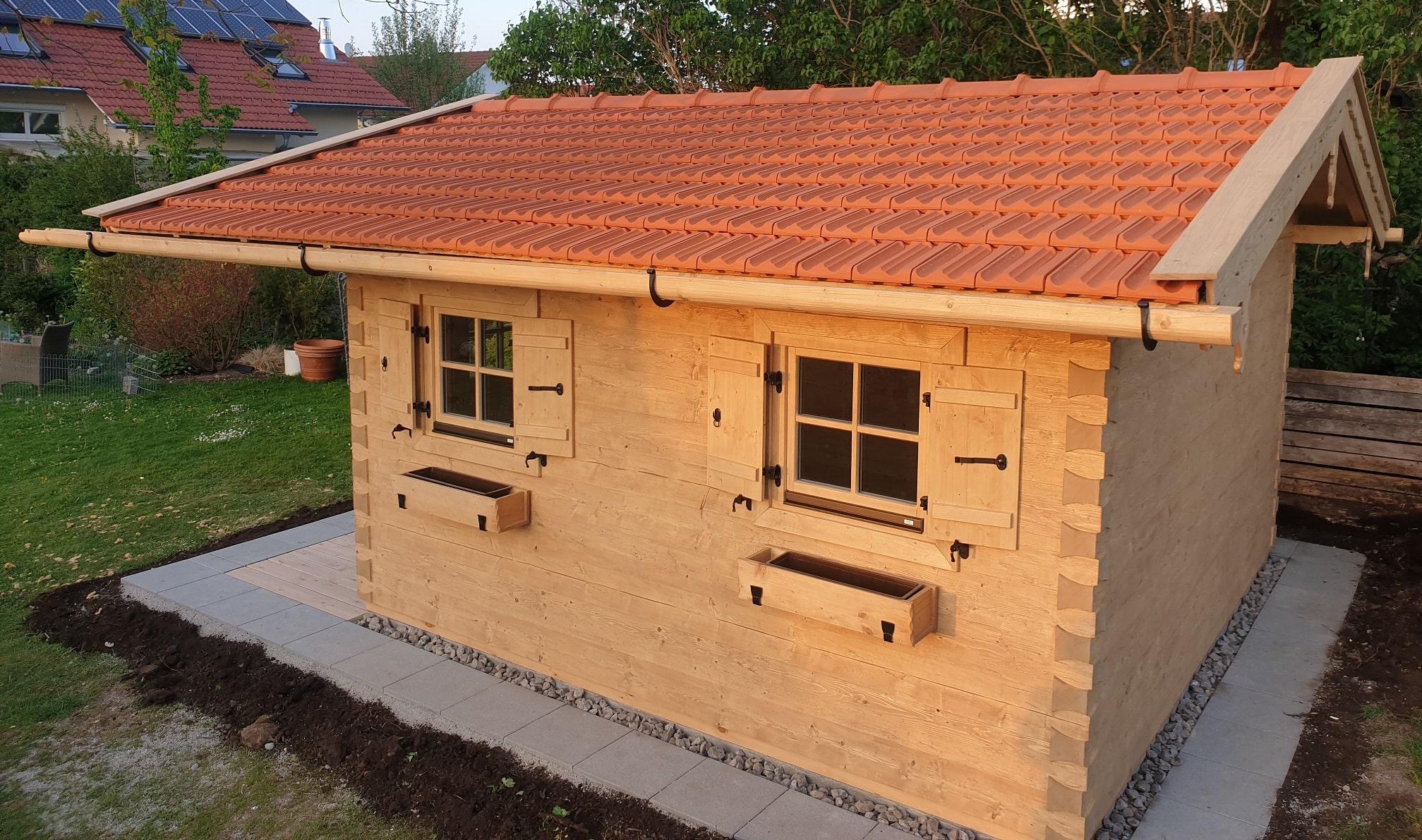 Uriges Rustikales Gartenhaus Im Altholz Stil Nach Mass Ropfl Holzparadies