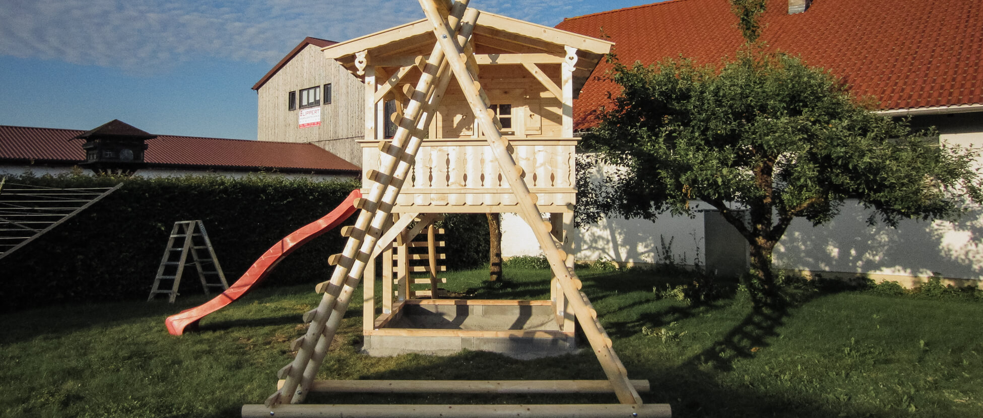 Kinderspielhaus Baumhaus Und Spielgerate Aus Holz Nach Mass Ropfl