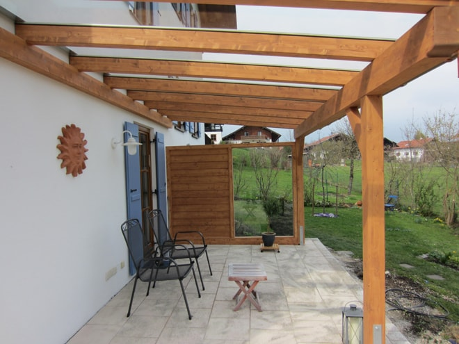 terrassen berdachung aus holz nach ma f r m nchen r pfl. Black Bedroom Furniture Sets. Home Design Ideas